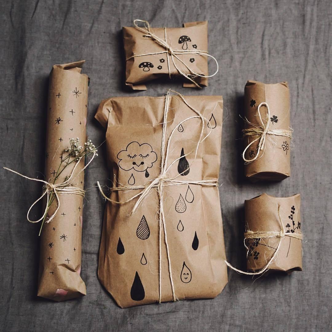 12 tipps wie du geschenke plastikfrei verpacken kannst flustix. Black Bedroom Furniture Sets. Home Design Ideas