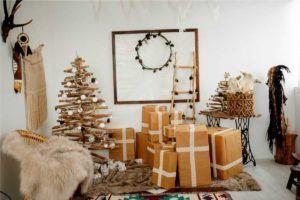 Zimmer mit plastikfreier Weihnachtsdekoration und plastikfreien Geschenken als Adventkalender, Tipp für plastikfreie Weihnachten