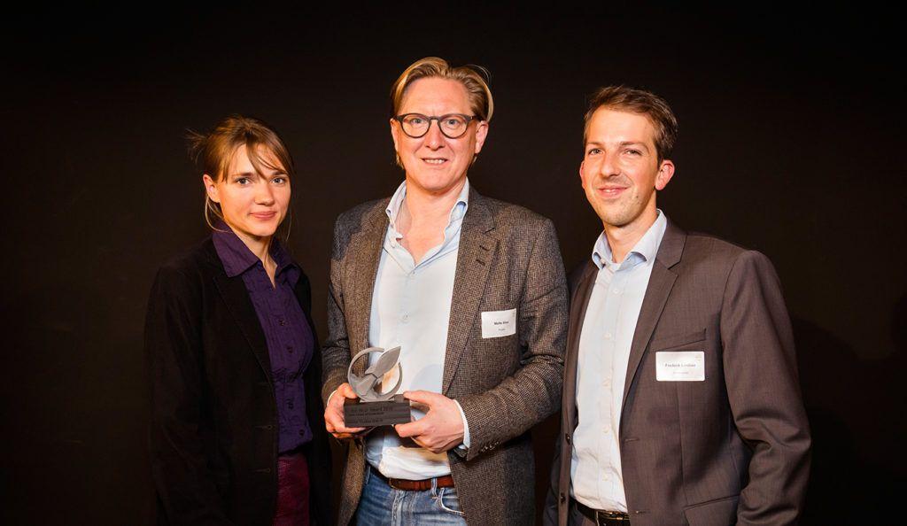 Stefanie Barz & Malte Biss von Flustix als Gewinner des Crowd Awards zusammen mit Seedmatch