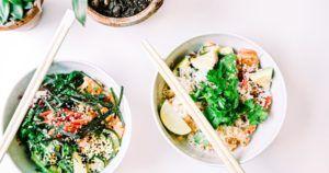 asiatisches Essen in einer Bowl